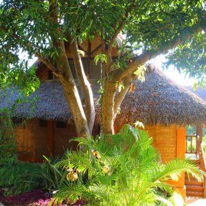 bungalow-vacance-nosybe-madagascar-vue-lagon-constructeur-promobail.JPG