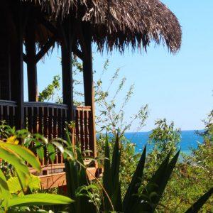 bungalow-vacances-vue-mer-ile-nosybe-madagascar-constructeur-promobail.JPG