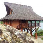 construction de bungalow pilotis sur plage