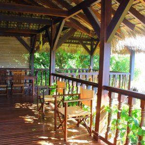 terrasse villa tropicale à nosy be